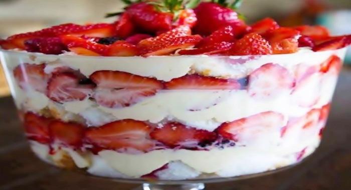 postre de fresas con crema